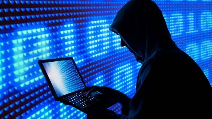 Інтернет-крадії з Тернопільщини на вкрадені гроші купили біткоїни