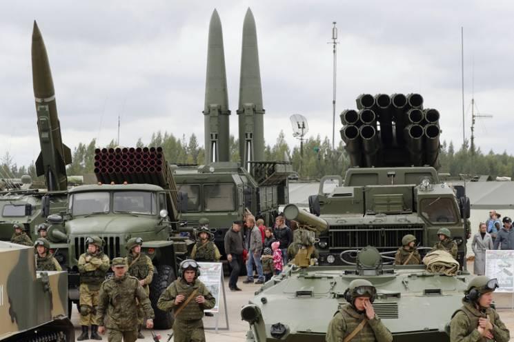 Кінець ядерного миру: Для чого Трамп втягує Путіна в нову гонку озброєнь