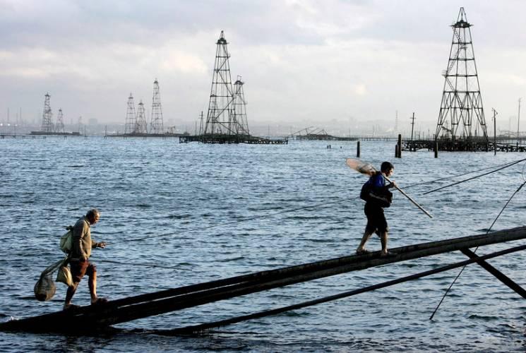 Нафтова блокада: Чи зможе Україна протистояти Росії