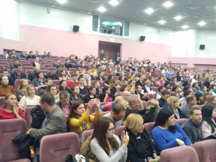 В Харькове на встречу-дискуссию с Вакарч…