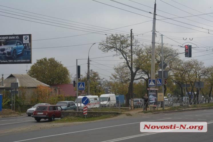 У Миколаєві великий затор: Тепловики перекрили Херсонське шосе, автівки рухаються в об'їзд (ФОТО)
