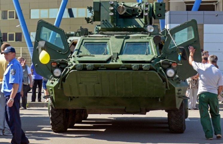 Депутаты освободили от НДС ввоз бронетехники и боеприпасов в Украину