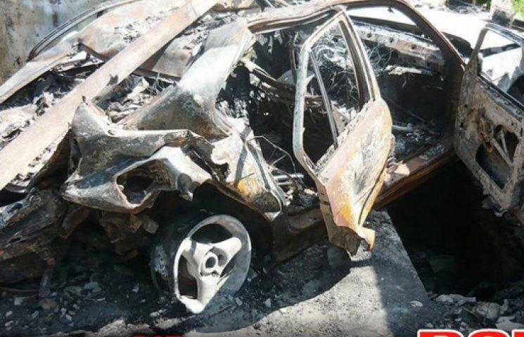 «Після 120-мм міномета»: Донбас продає автомобілі війни