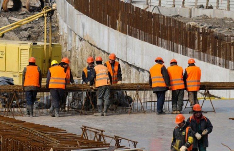 Забудовники поспішають добудувати будинки раніше терміну