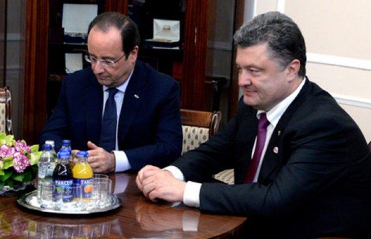 Порошенко поблагодарил Олланда за новую порцию санкций для РФ