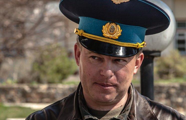 Партія Порошенка прихопила у свій список героя з Криму