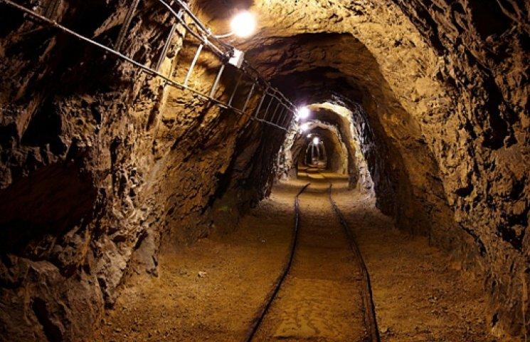 Кабмин ликвидирует шахты, остановившиеся из-за войны на Донбассе