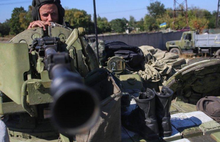 Порошенко розповів, чому США не дають Україні летальну зброю