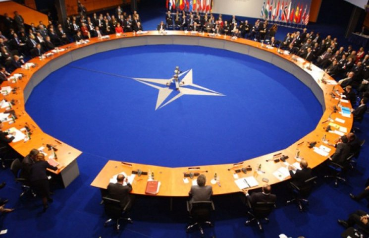 НАТО увидело «существенный» отвод войск РФ