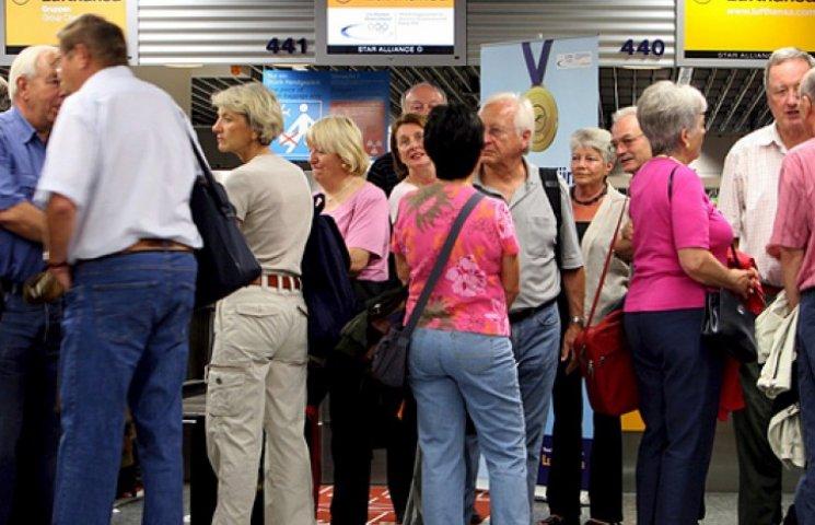 Пассажиров авиакомпании Lufthansa завтра ждут отмены рейсов