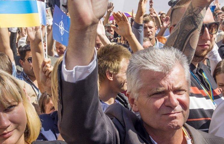 Уперше більше половини українців захотіли в НАТО - опитування