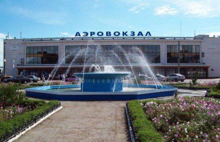 Нова парковка одеського аеропорту зруйнує фонтан