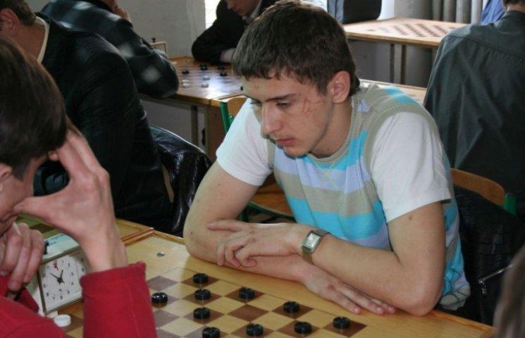 Денис Шкатула
