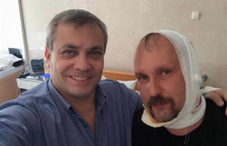 """Люди Коломойського продовжують позувати на фоні пораненого хірурга-""""правосека"""""""