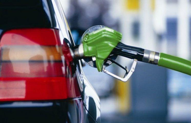Сьогодні у Кременчуці знизили ціни на бензин
