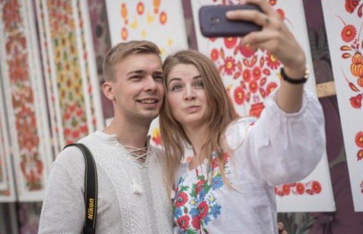 """Дніпропетровські митці провели фестиваль попри """"терористичну загрозу"""""""