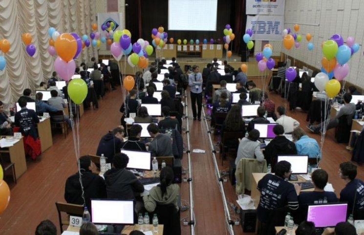 У Вінниці боротимуться за путівки на фінал студентської першості світу з програмування