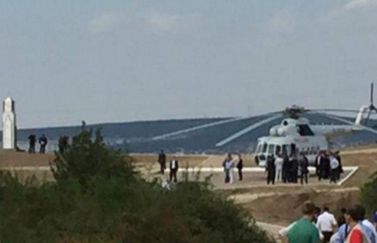 Путін і Берлусконі в Криму літають на гвинтокрилі перед бенкетом (ФОТО)