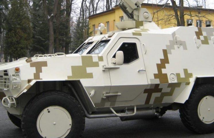 Як у Львові складають новітні бронемашини для війни на Донбасі