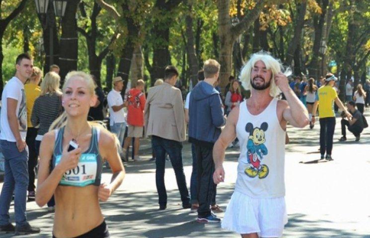 """В Одесі в жіночих змаганнях з бігу приймала участь """"бородата жінка"""""""