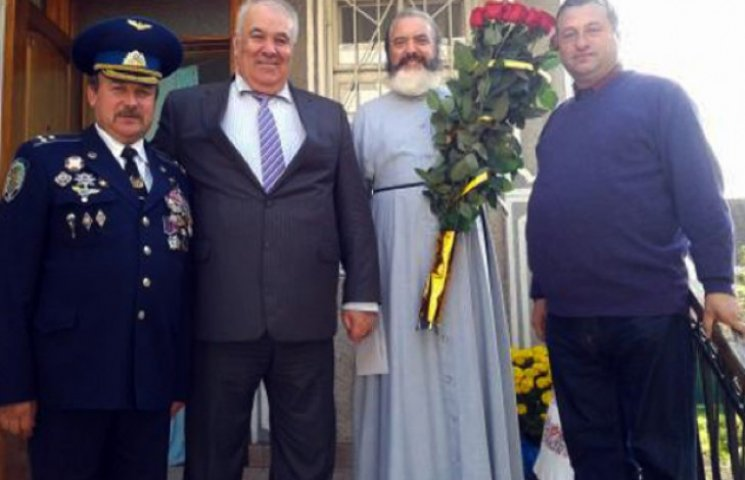 Претендент в мери Хмельницького зупинив свою благодійність