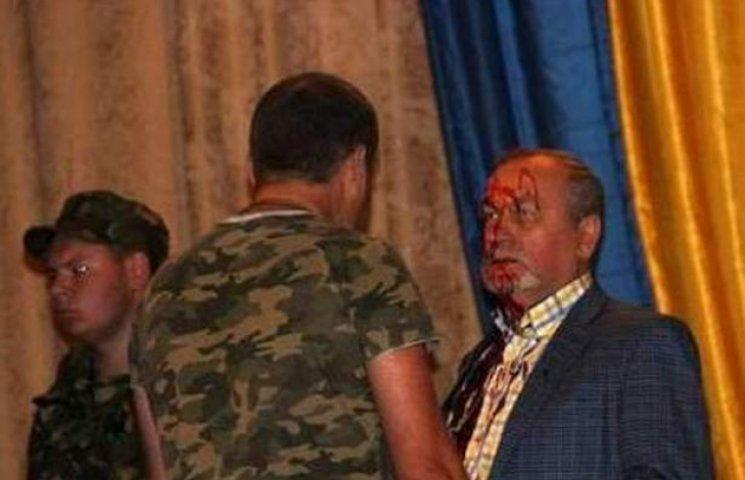 Екс-заступника голови Адміністрації президента на Львівщині облили кров