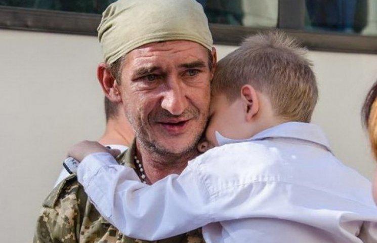 До Дніпропетровська повернулася третя хвиля бійців 43-ї бригади
