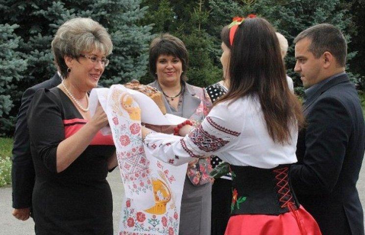 Екс-чиновниця часів Януковича виховуватиме молоде покоління землеробів