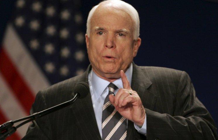 Американський сенатор Маккейн вирушає в Одесу