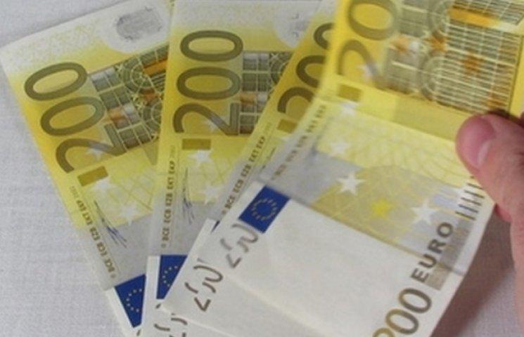 У Вінниці банкіршу піймали на збуті фальшивих євро