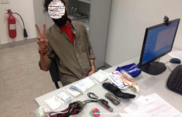 "В ""Борисполе"" поймали снайпера из Ирана, направлявшегося к террористам (ФОТО)"