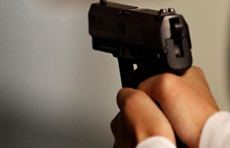В Одесі вночі була стрілянина. В одному з дворів знайдено загиблого чоловіка
