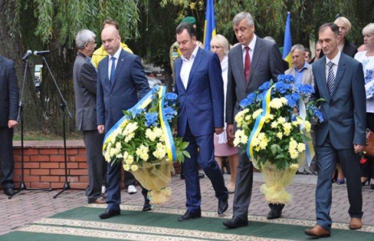 Святкування Дня міста у Хмельницькому розпочалося вшануванням героїв