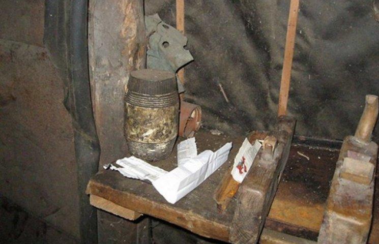 На Вінниччині підліток влаштував в гаражі своєї тітки наркопритон