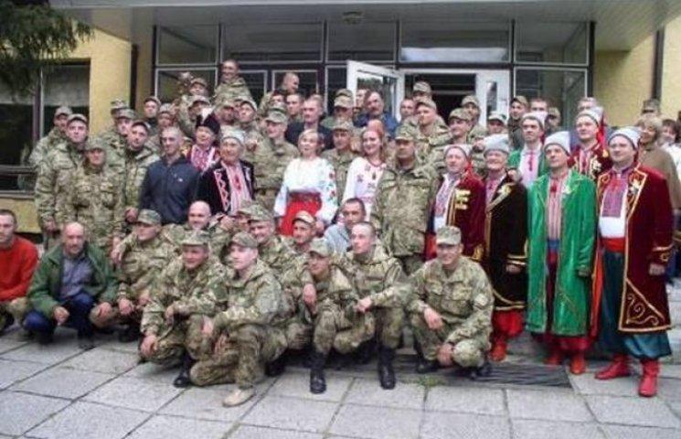 Творчі колективи Волочищини розважали вояків на Яворівському полігоні
