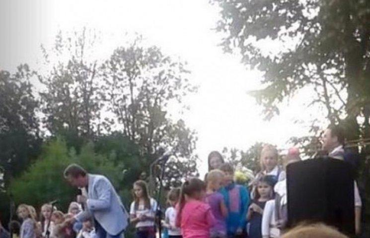 """На Вінниччині """"народний кум"""" агітував за депутата обласної ради"""