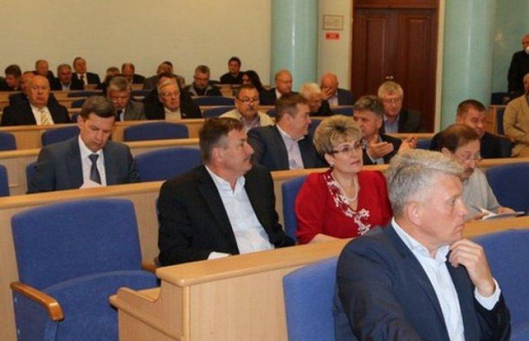 Останню чергову сесію облради 6-го скликання проігнорували півсотні депутатів