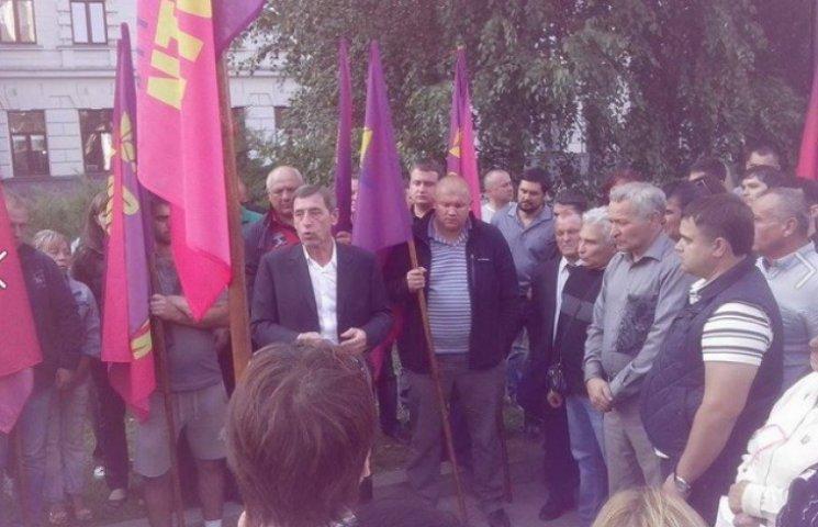Невдалий мерський кандидат у Дніпропетровську готовий до голодування