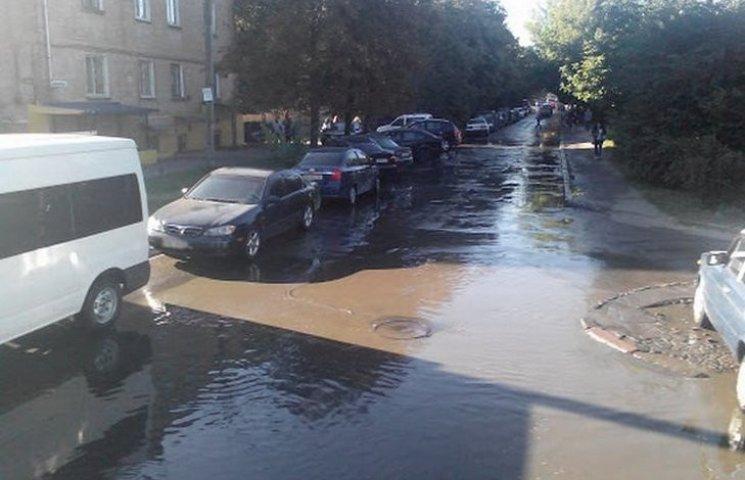 У Вінниці на Замості затопило дві вулиці