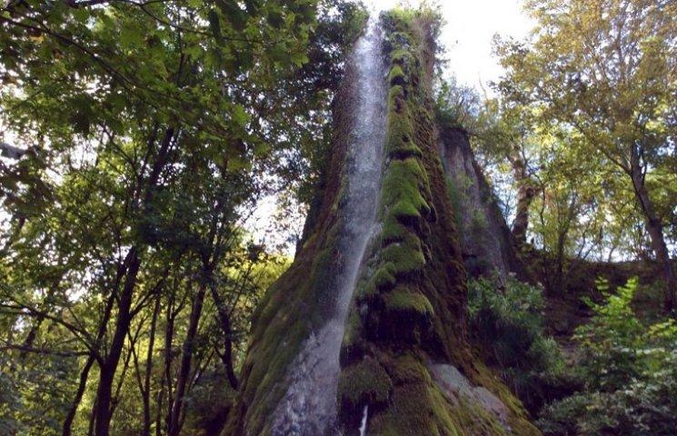 Найдивовижніший водоспад Хмельниччини залишається поза увагою туристів