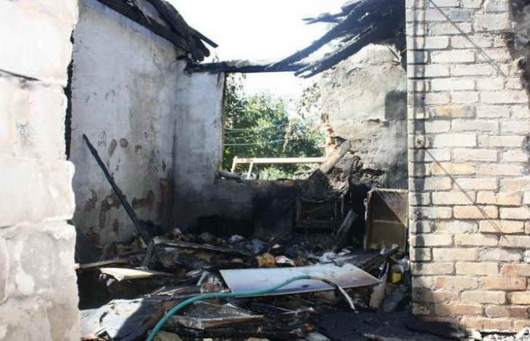 Запорізькі погорільці, що лишилися майна і житла, потребують допомоги