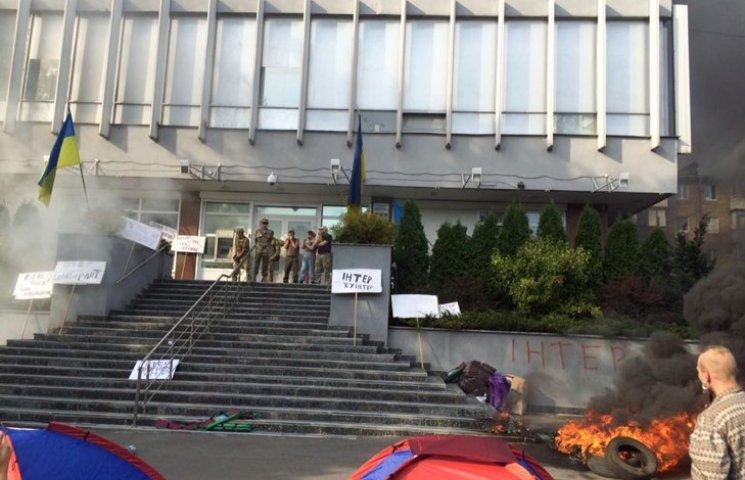 """Руководство """"Интера"""" заявляет о пострадавших в пожаре"""