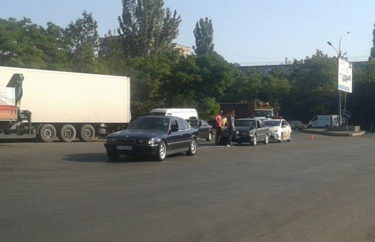 У Миколаєві Mitsubishi влетів у ВМВ