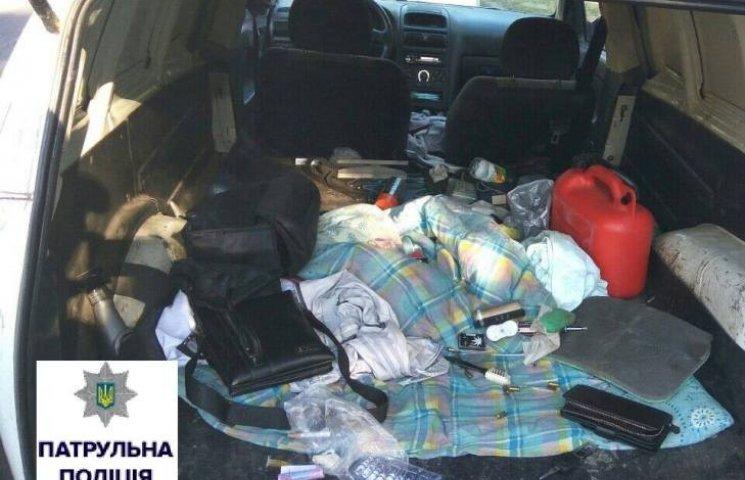 Наркотики та набої: з чим їздять по місту миколаївські водії