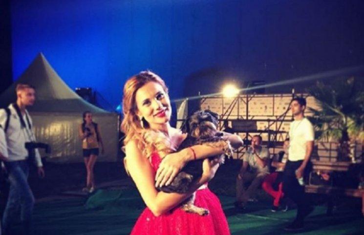 Нова хвиля-2016: вагітна Галина Безрук лідирує у конкурсі