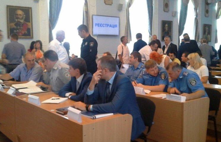 """У Миколаєві стартувала """"поліцейська"""" сесія міськради: депутати вимагають пояснень"""