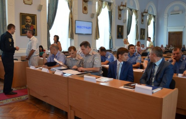 Миколаївські депутати розкритикували підготовку поліцейських