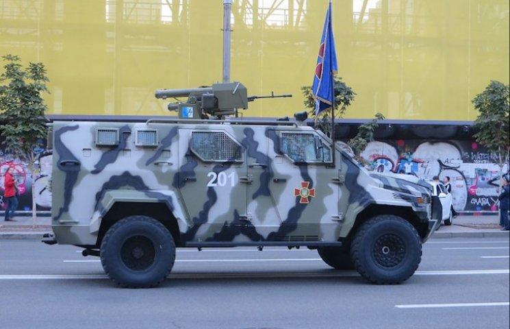 Запоріжці створили безпілотний автомобіль для військових