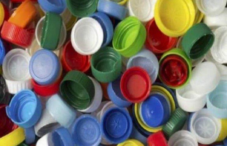 Полтавці зібрали півтори тони пластикових кришок на підтримку АТО