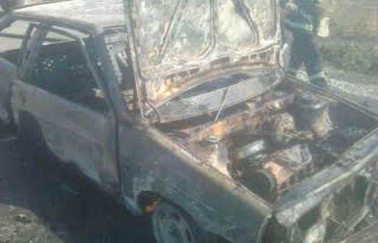 У Василівському районі вщент згоріла автівка